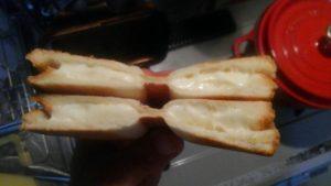 ホットサンドの研究〜さけるチーズ〜